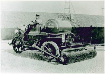 Kehrmaschine per Pferd